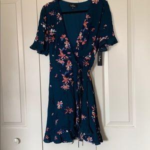 Womens floral wrap dress (L)